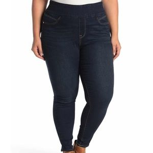 NWT Seven7 High-Rise Pull-on Jeggings